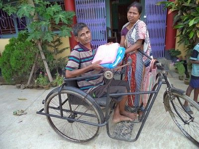 Support the elderly people for clothes